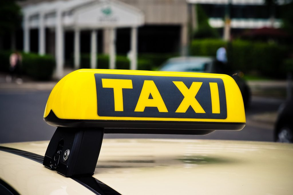 THINGS I MUST KNOW BEFORE BOARDING A TAXI/CAB